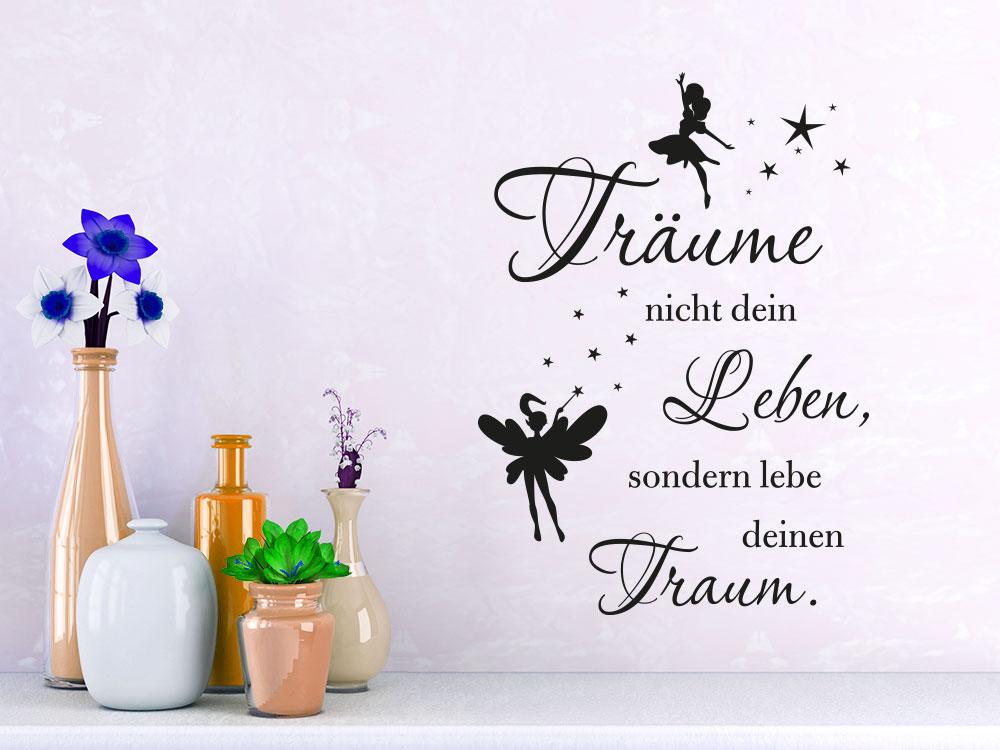 Wandtattoo Träume deinen Traum neben Blumenvasen