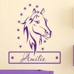 Wandtattoo Pferdekopf mit Wunschnamen im kinderzimmer